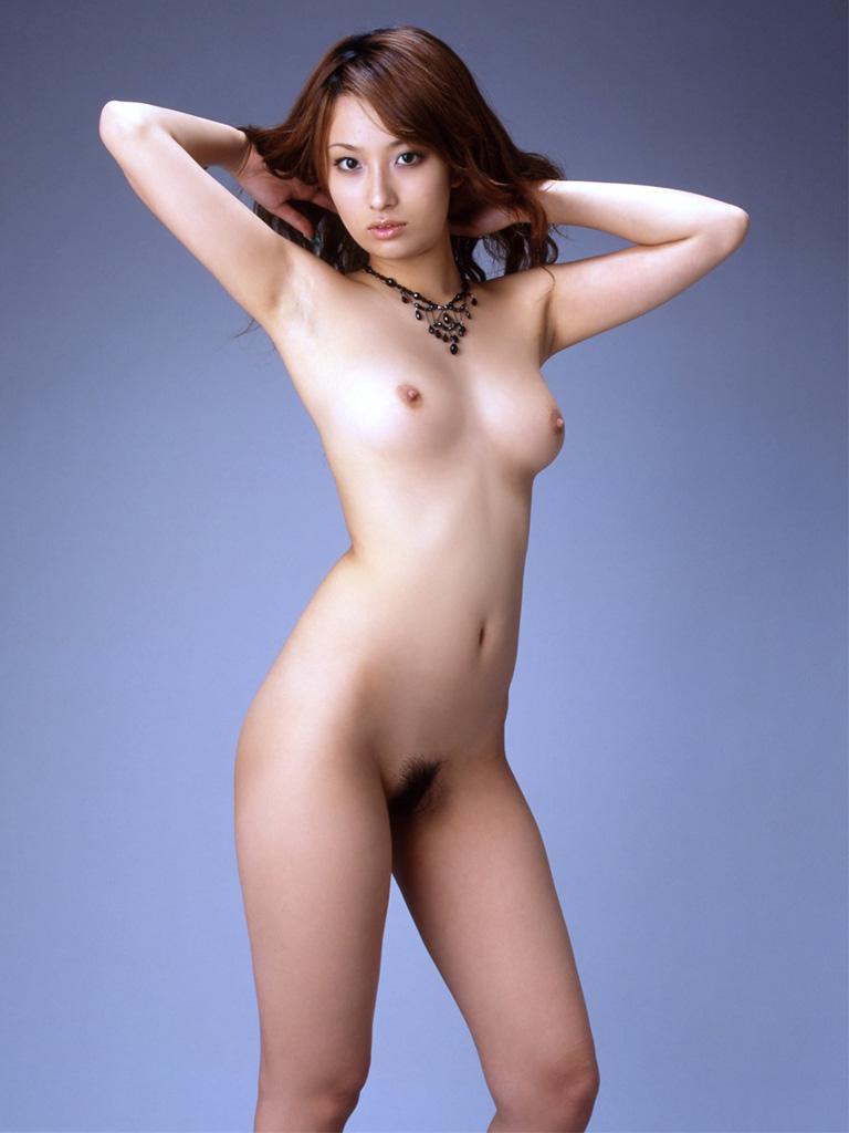 【ヌード画像】小細工は一切いらない全裸のギャラリー 17