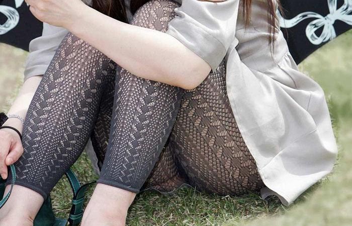 【街撮り画像】これはもはや下着だろwwwなレギンス纏ったムチムチ下半身たち