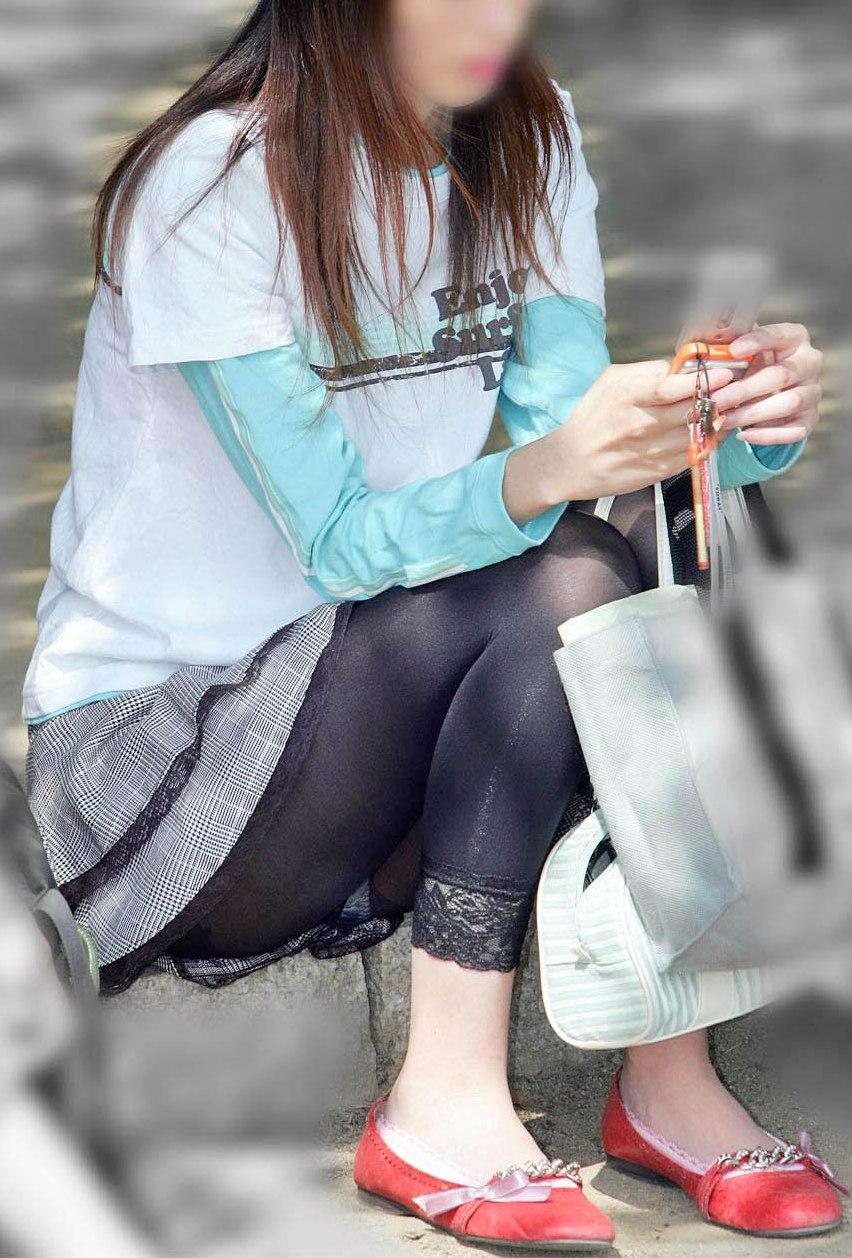 【街撮り画像】これはもはや下着だろwwwなレギンス纏ったムチムチ下半身たち 16