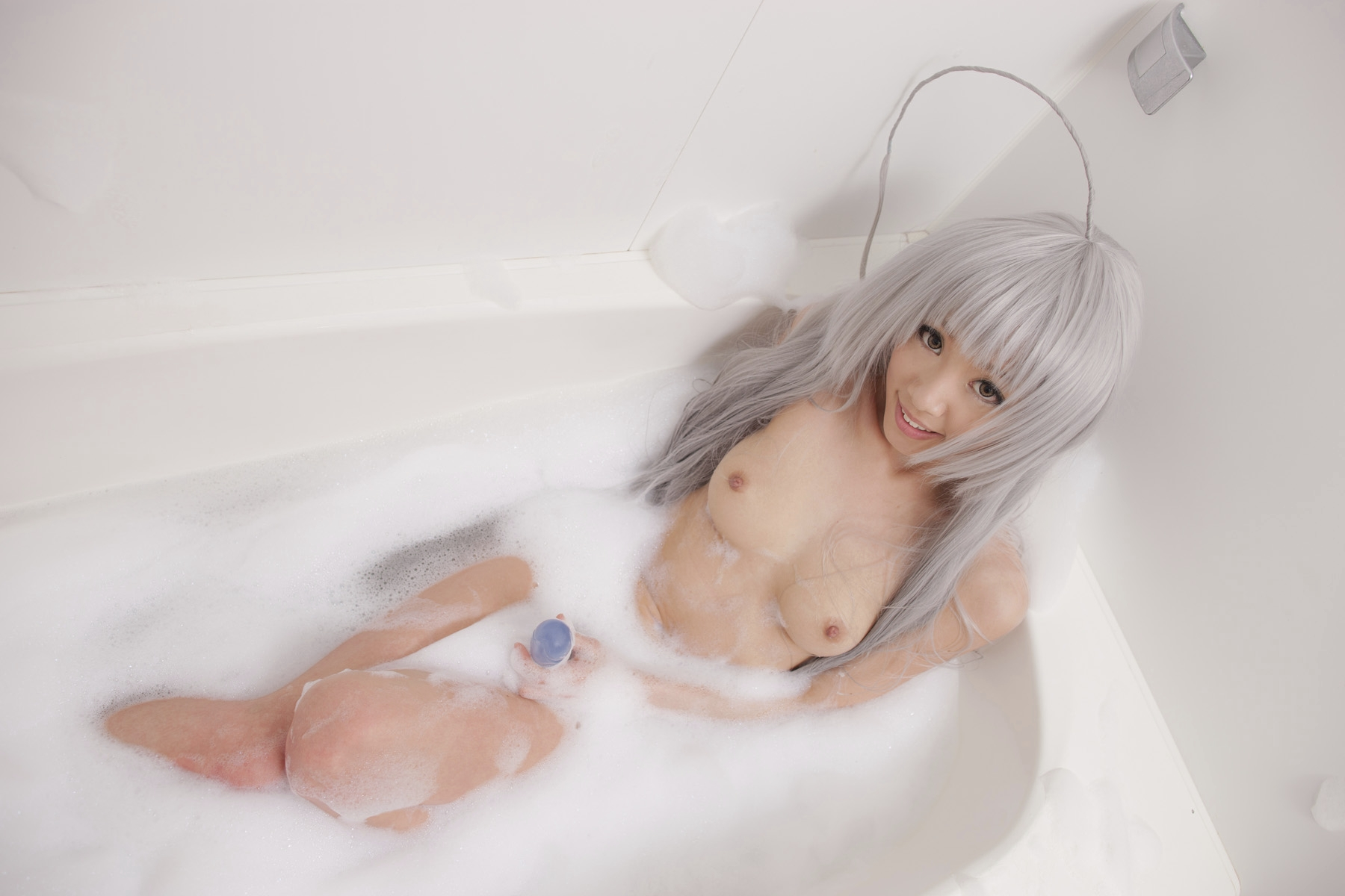 【入浴中な画像】画面に息吹いたら負けwww泡まみれな女体のギャラリー 15
