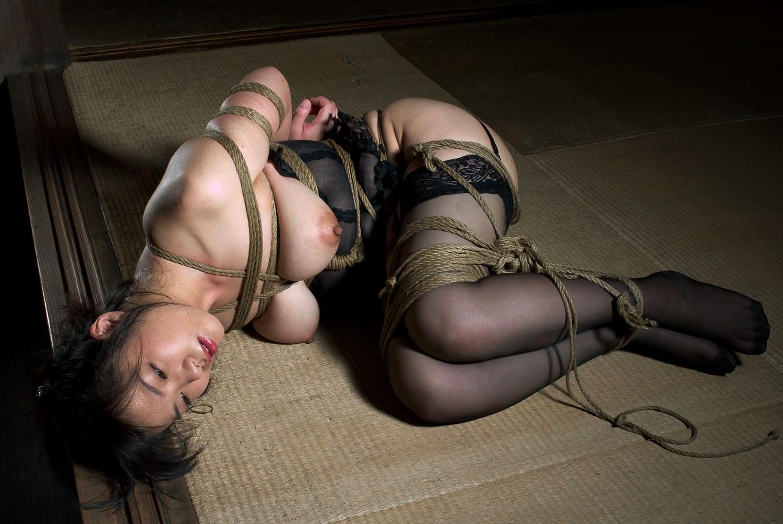 【緊縛SM画像】縛られたまま放置される女子に萌えてみる 08