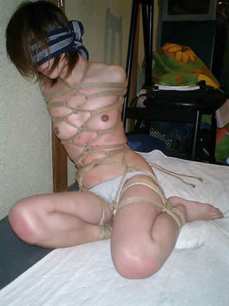 【緊縛SM画像】縛られたまま放置される女子に萌えてみる 13