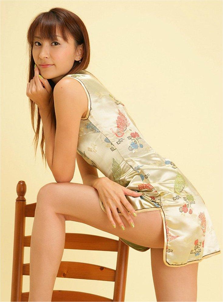 【コスプレ画像】妖艶なチャイナドレス美女の切れ込みから覗く美脚に可能性を見出してみるwww 01