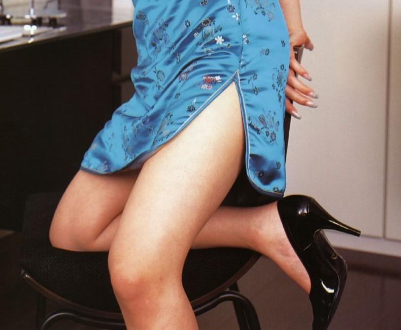 【コスプレ画像】妖艶なチャイナドレス美女の切れ込みから覗く美脚に可能性を見出してみるwww 14