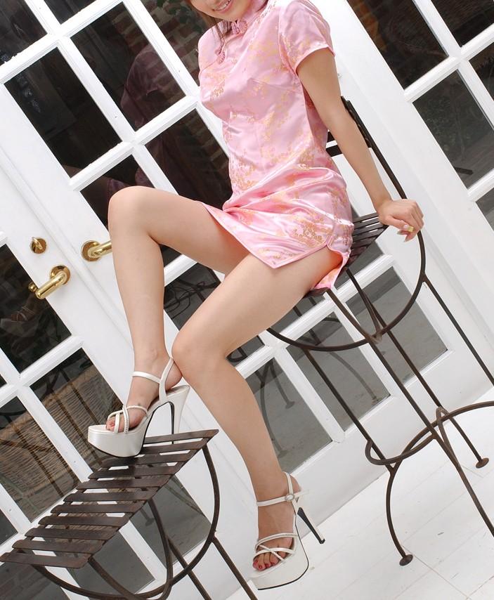 【コスプレ画像】妖艶なチャイナドレス美女の切れ込みから覗く美脚に可能性を見出してみるwww 17
