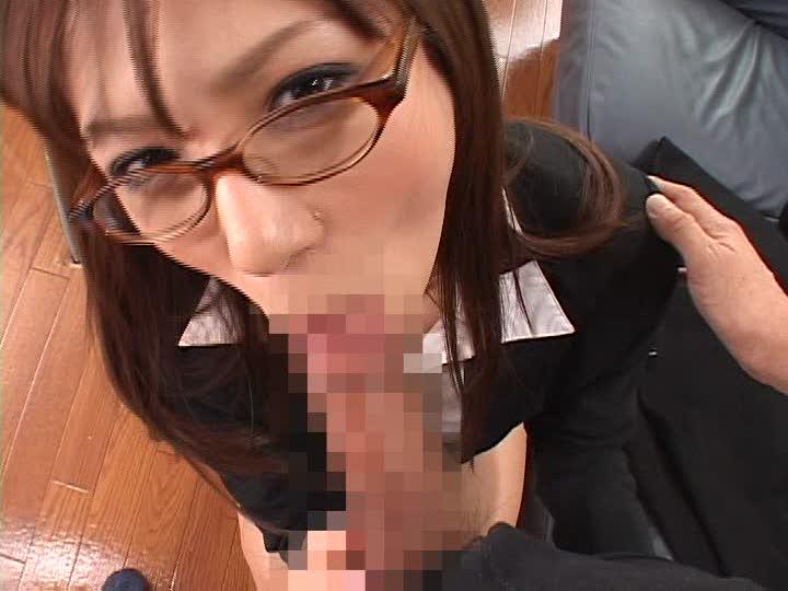 【眼鏡フェラ画像】めがねが似合う女の子が一生懸命フェラチオwww 19