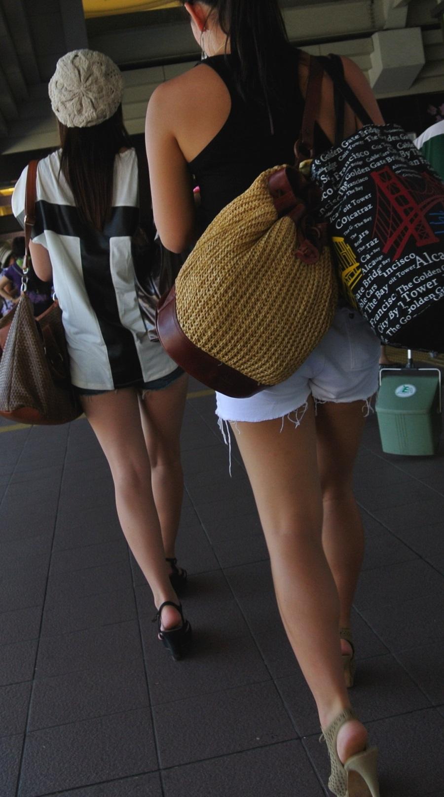 【街撮り画像】生の太股がたまりませんなwww短パン・ショーパン素人画像 09