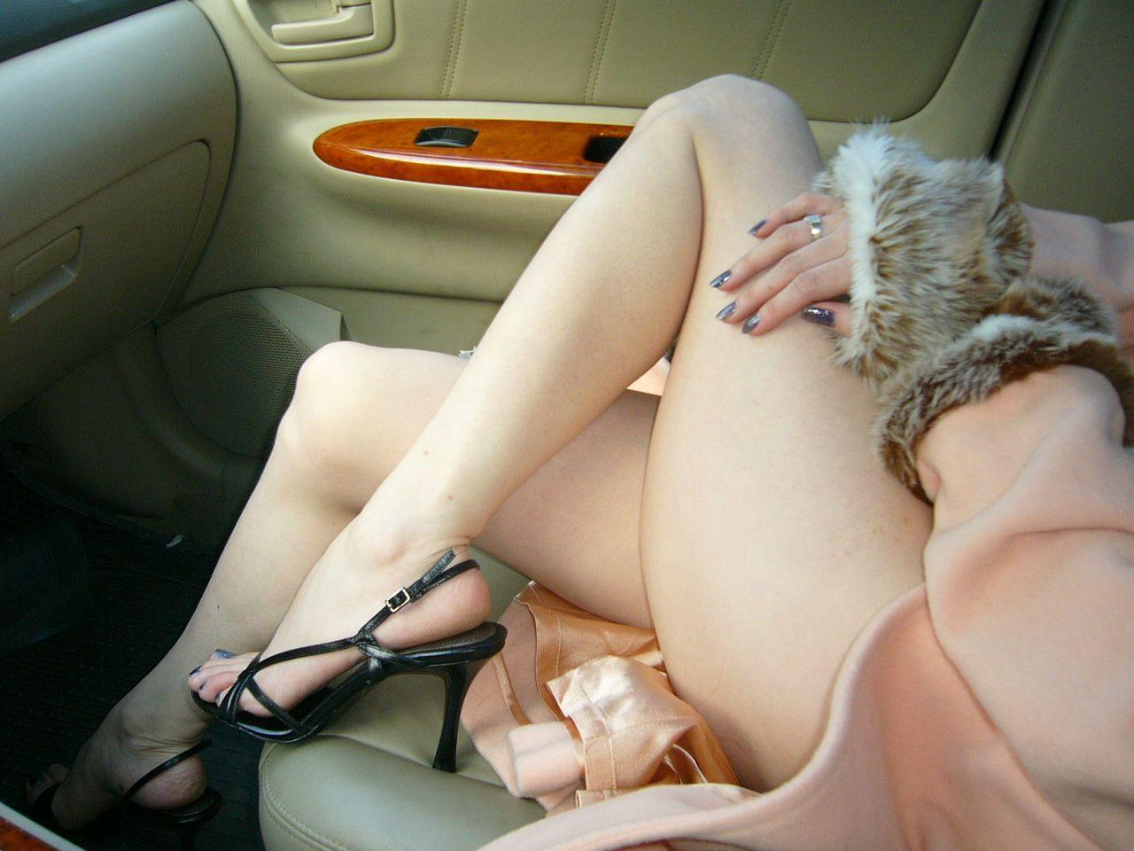 【美脚画像】頬ずりしたくなるwww女の艶っぽい生脚ギャラリー 11