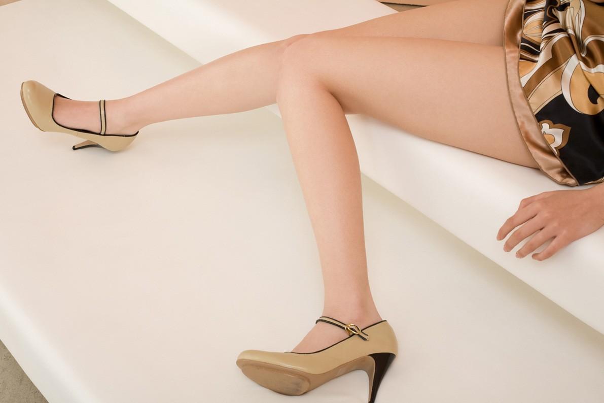 【美脚画像】頬ずりしたくなるwww女の艶っぽい生脚ギャラリー 17
