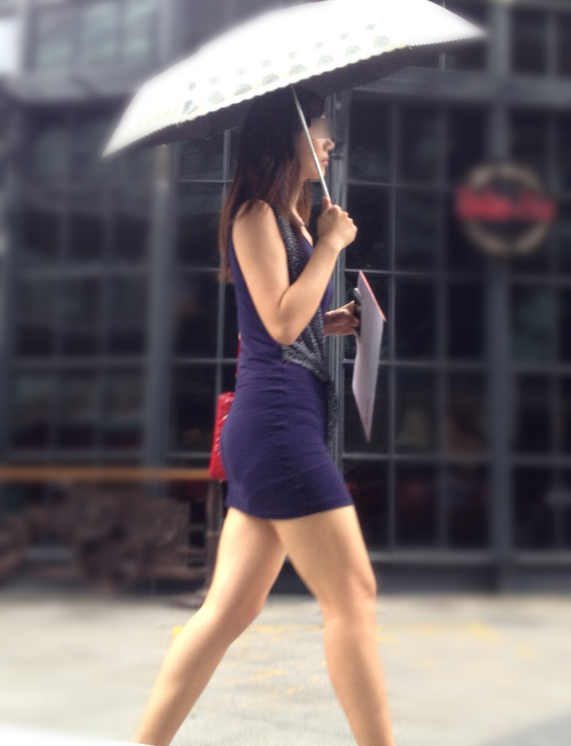【街撮り素人画像】穏やかな地方で見つけたパンスト要らずの生美脚たち 15