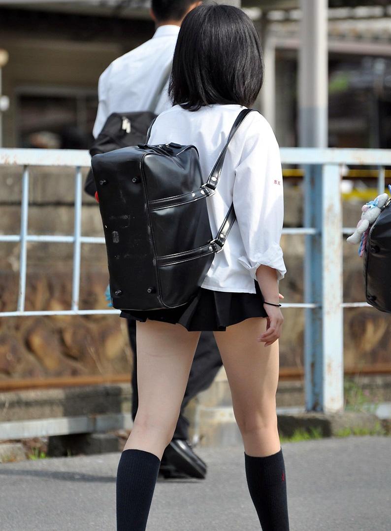 【ミニスカJK画像】最近のJKスカート短すぎワロタwwなのに全く見えないからクソワロタwww 05
