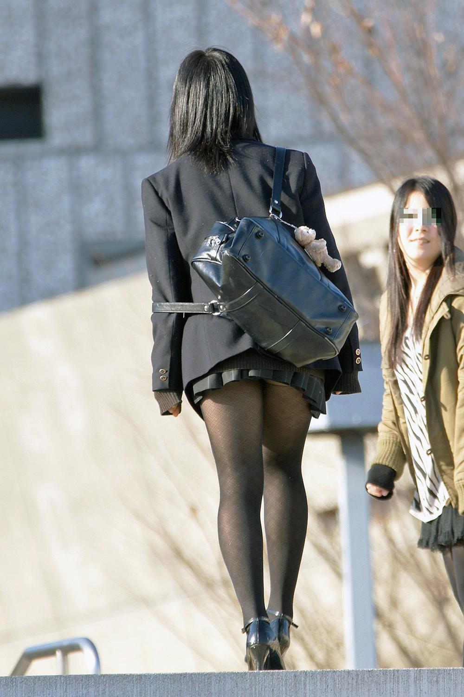 【ミニスカJK画像】最近のJKスカート短すぎワロタwwなのに全く見えないからクソワロタwww 06