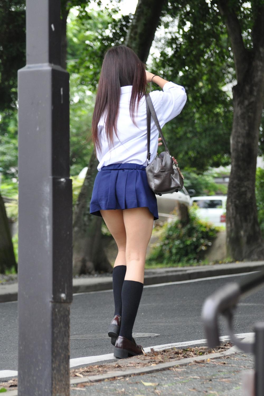 【ミニスカJK画像】最近のJKスカート短すぎワロタwwなのに全く見えないからクソワロタwww 08