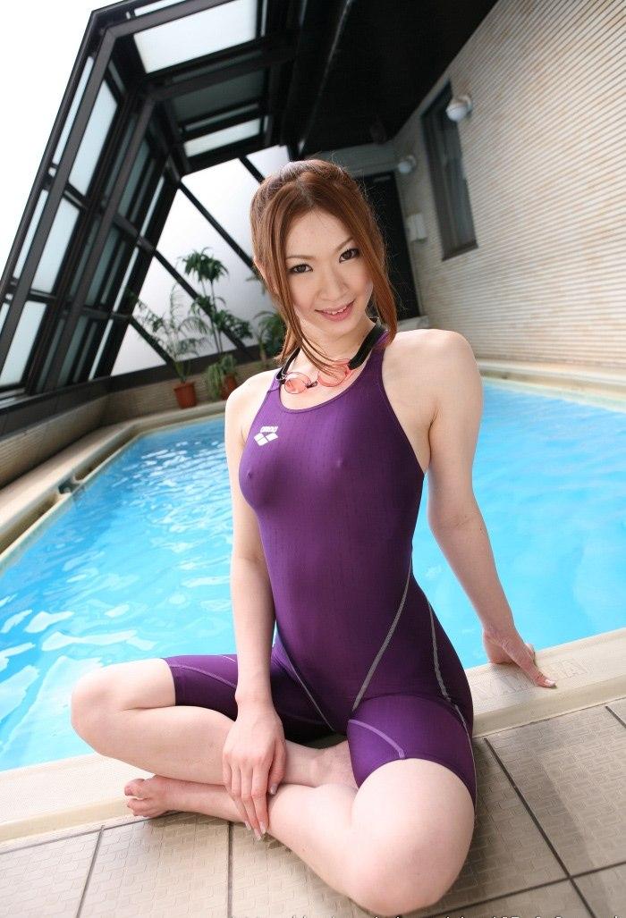 【水着画像】浮いたりハミ出したりしてて卑猥な競泳水着姿www 02