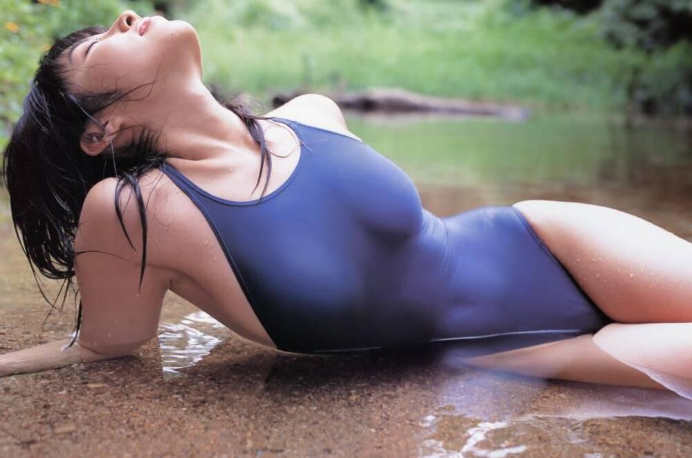 【水着画像】浮いたりハミ出したりしてて卑猥な競泳水着姿www 18