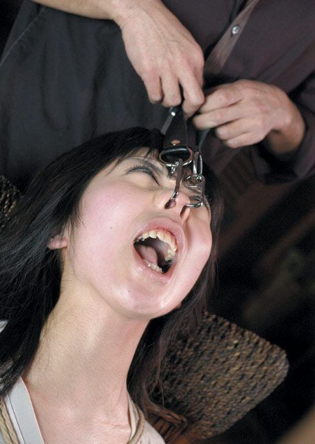【SMマニア画像】顔面拘束画像 変顔を強いられた愛奴たち 01