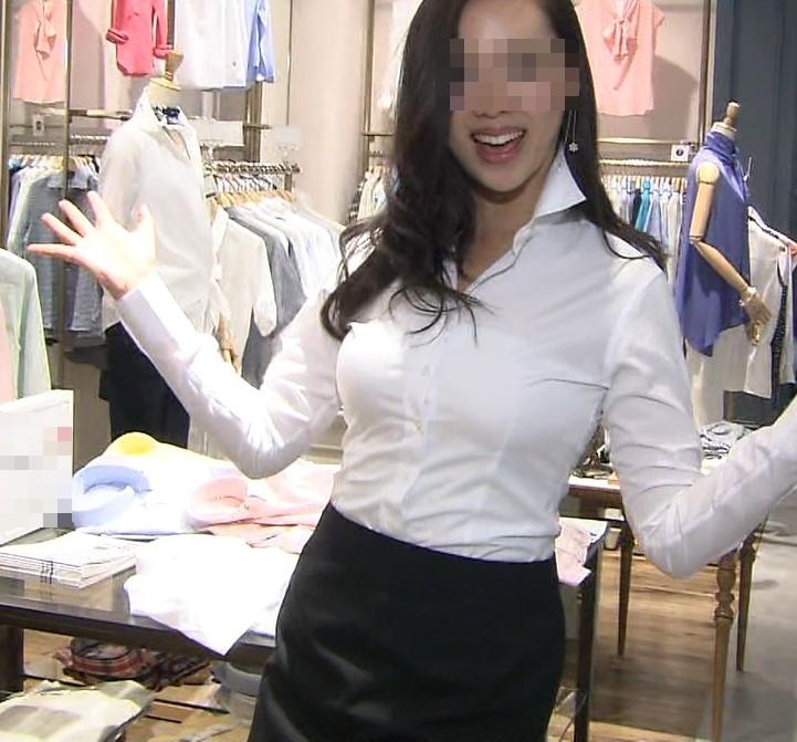【働く女性のエロ画像】清潔な白ブラウスにそこはかとない卑猥さを感じるギャラリー 15