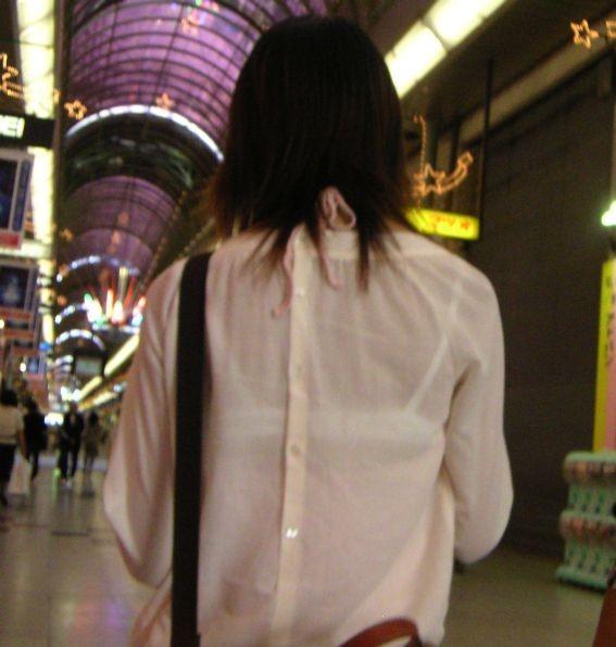 【働く女性のエロ画像】清潔な白ブラウスにそこはかとない卑猥さを感じるギャラリー 17