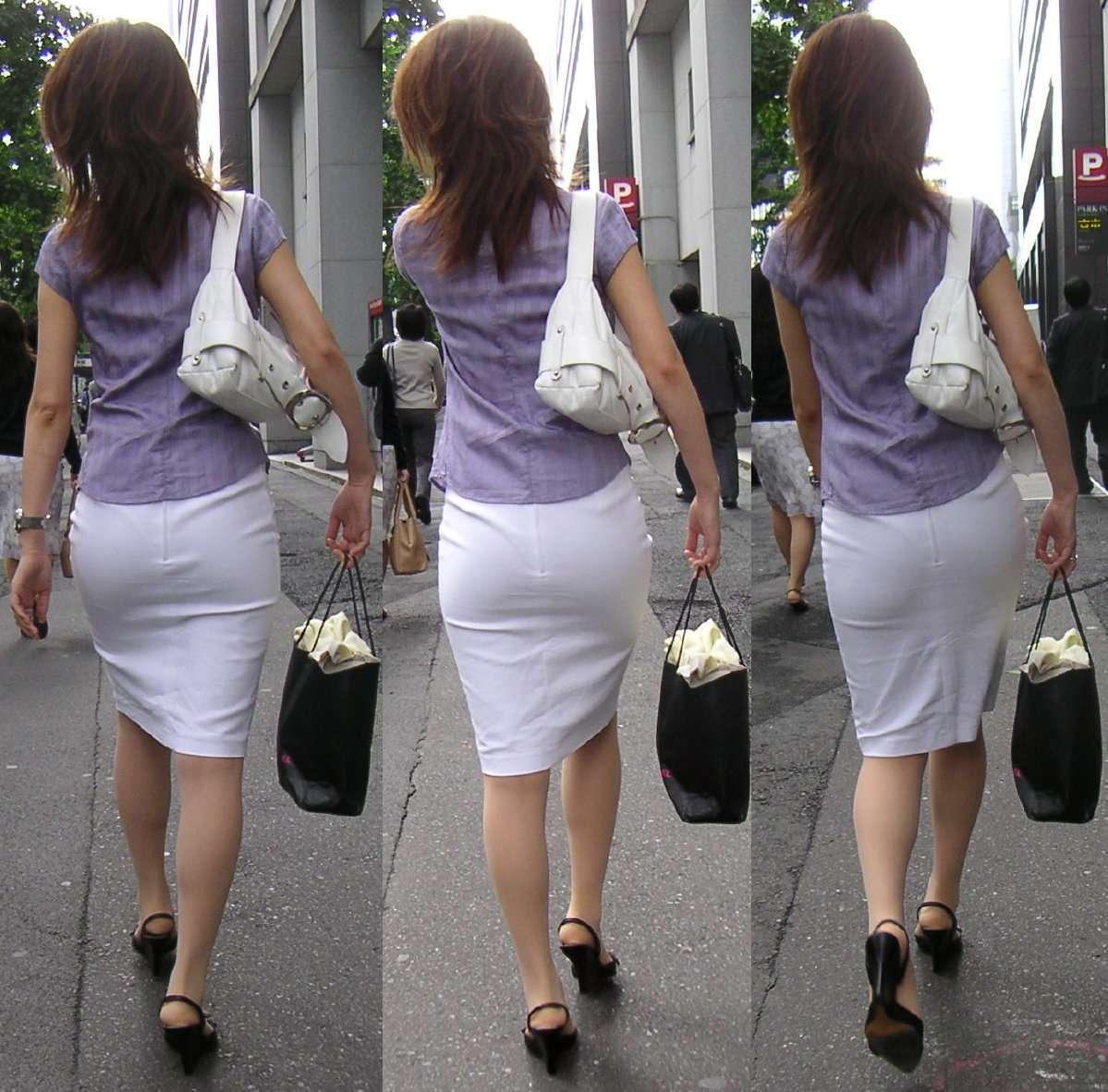 【透け下着画像】うっすらどころか柄まで確認できるイヤらしい透け下着www 19