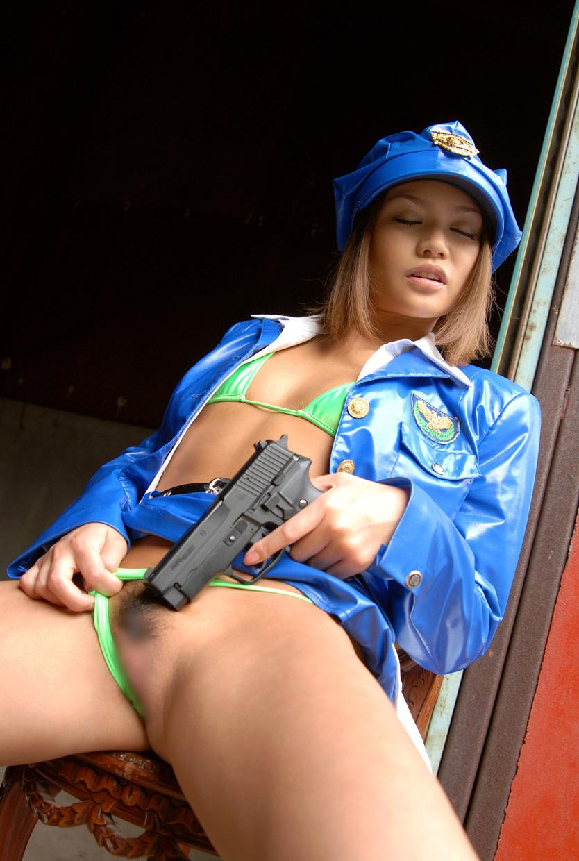 【コスプレH画像】婦警コスでエロい事してる画像を貼ってく 14