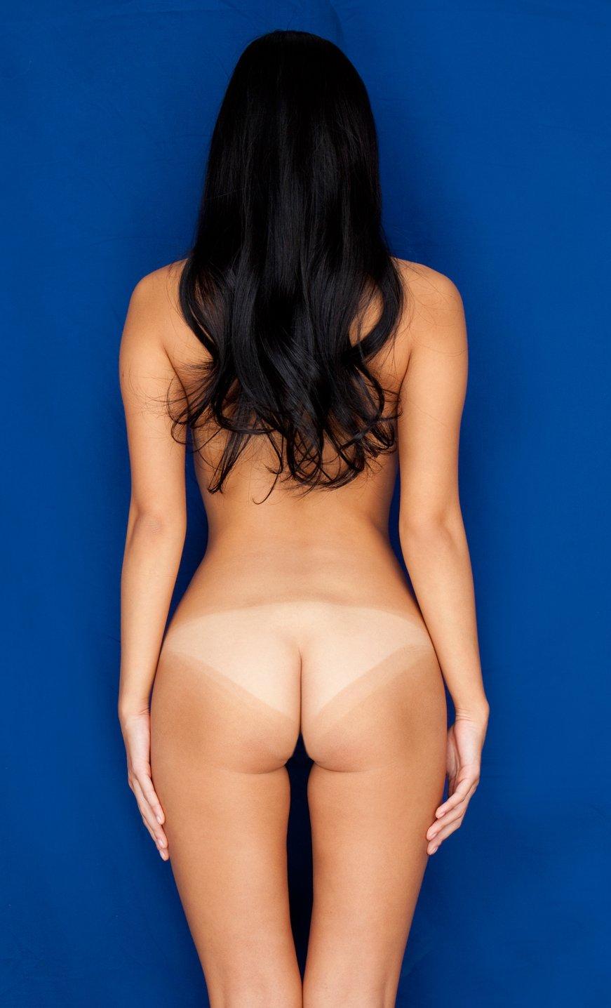 【エロ画像】剥きたての桃のようなwww日焼けあとヌードお尻編 05