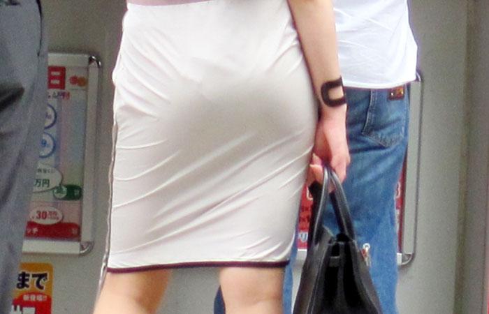 【街撮りOL画像】思わず追跡したwwwタイトスカートに包まれたムチムチ尻