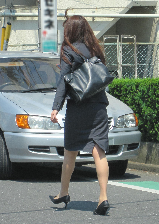 【街撮りOL画像】思わず追跡したwwwタイトスカートに包まれたムチムチ尻 15