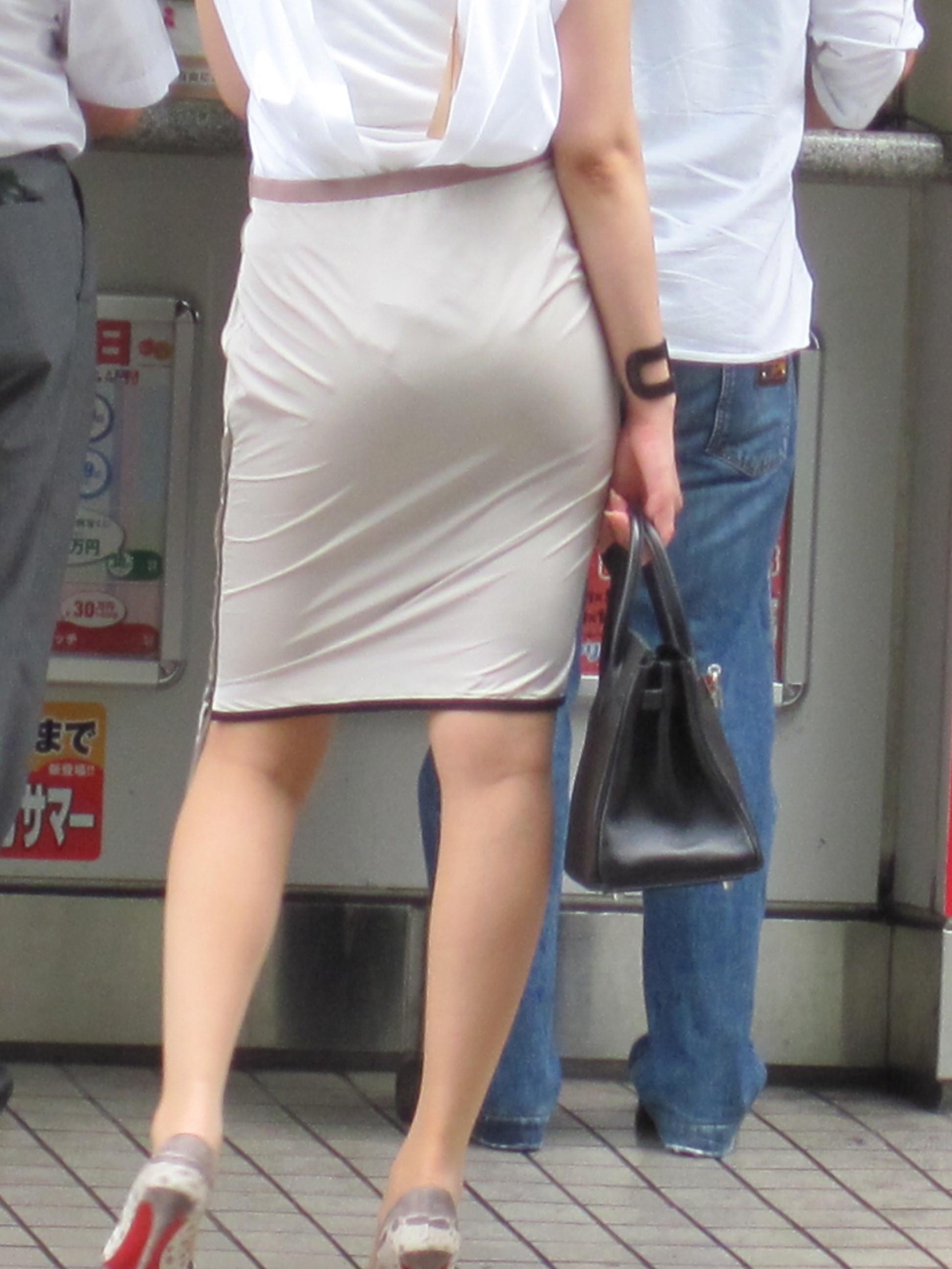 【街撮りOL画像】思わず追跡したwwwタイトスカートに包まれたムチムチ尻 20