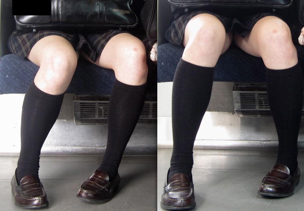 【JK画像】電車内でお座り中のJKたちのムチムチ太股をこっそり激写 10
