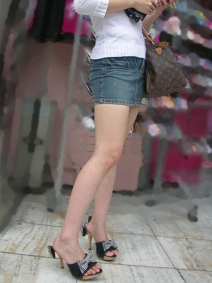 【脚フェチ画像】踵が高いほどそそるwwwピンヒールの生美脚画像 01