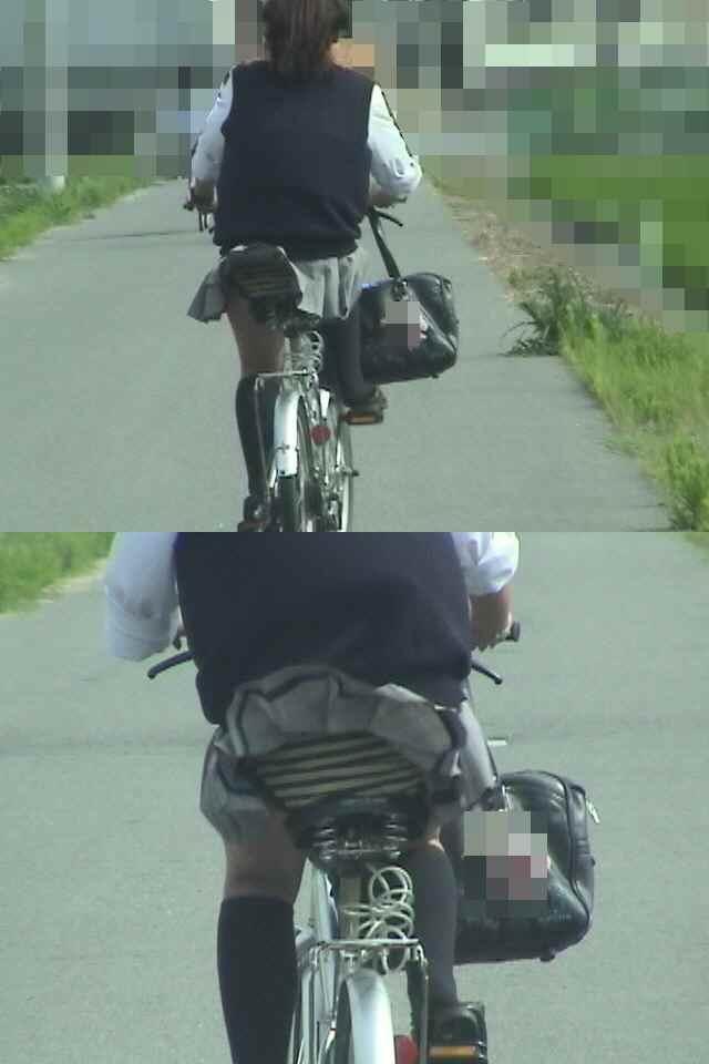 【JKパンチラ画像】風も味方www自転車通学中のJKのスカートめくれと生パンツ 12