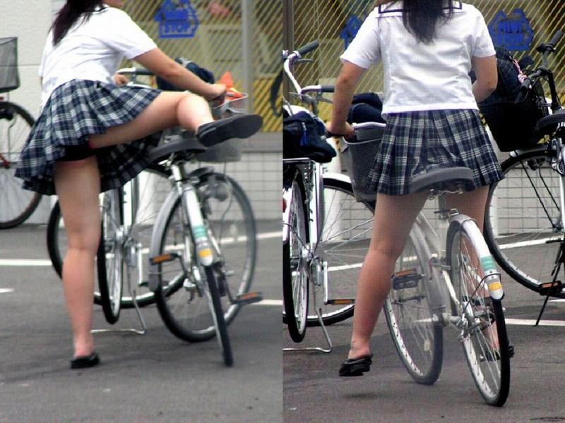 【JKパンチラ画像】風も味方www自転車通学中のJKのスカートめくれと生パンツ 20