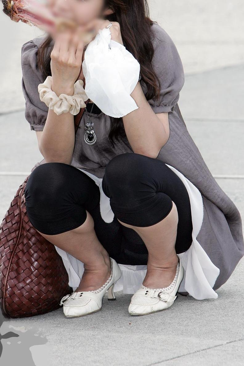 【透けパン画像】履いてる程度で安心できないwwwレギンス素人のイヤらしい透けパン姿 05