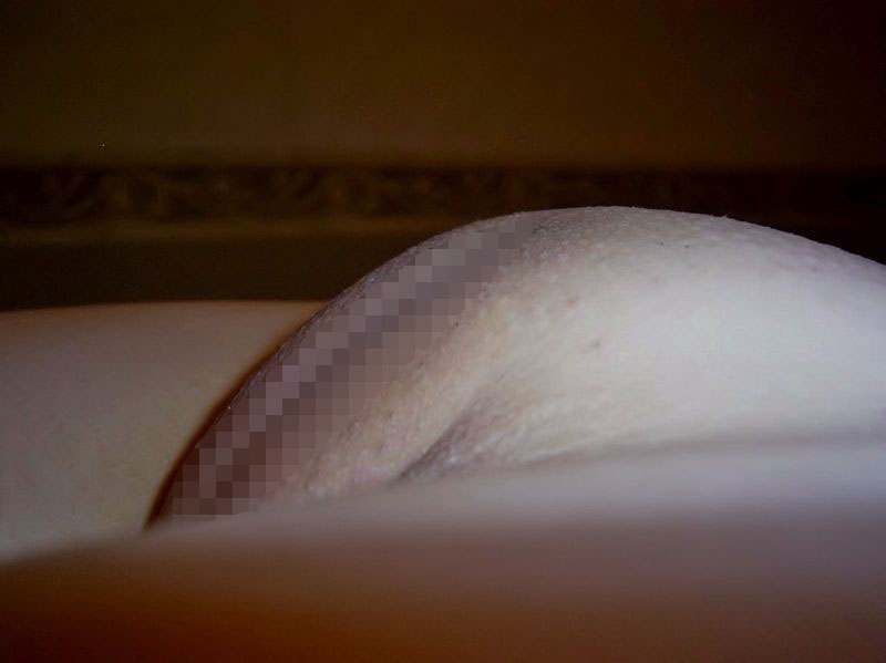 【パイパン画像】盛り上がり方がハンパない女子のツルツル股間画像 11