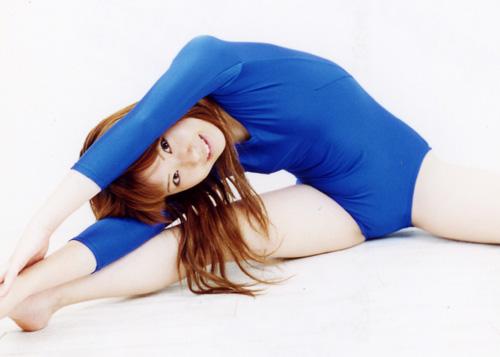 【コスプレ画像】食い込みノーブラが基本wwwレオタード纏ったムチムチ女体 13