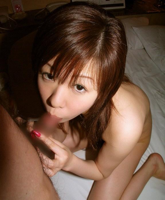 【フェラ画像】目の前のおちんちんを夢中で咥えている女の子たちwww 07