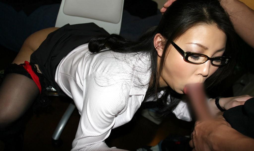 【フェラ画像】目の前のおちんちんを夢中で咥えている女の子たちwww 21