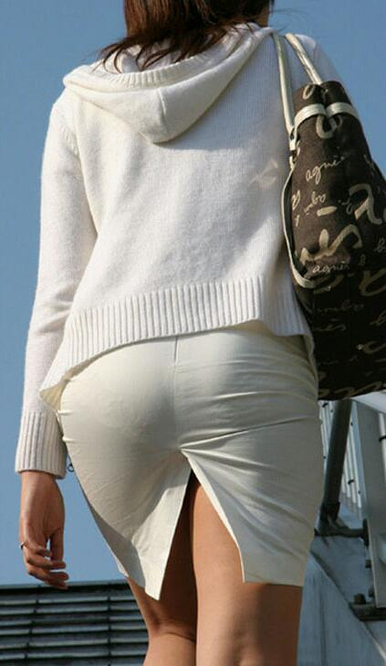 【街撮り素人着衣尻】生の尻よりもイヤらしいムチムチ透けパン尻画像 16