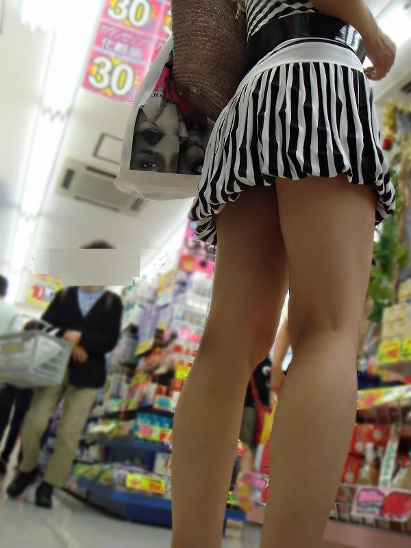 【素人美脚画像】街で見つけたお姉さん方の、見惚れてしまいそうな程長くて綺麗な脚 02