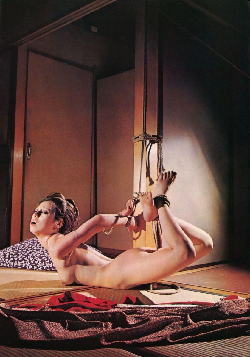 【SM緊縛画像】緊縛アートの世界 逆海老縛りされるM女 02