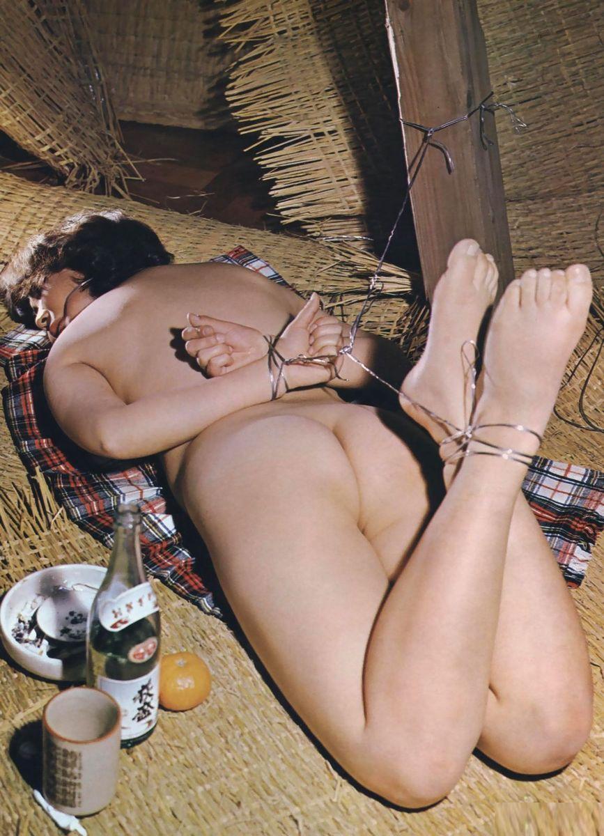 【SM緊縛画像】緊縛アートの世界 逆海老縛りされるM女 06