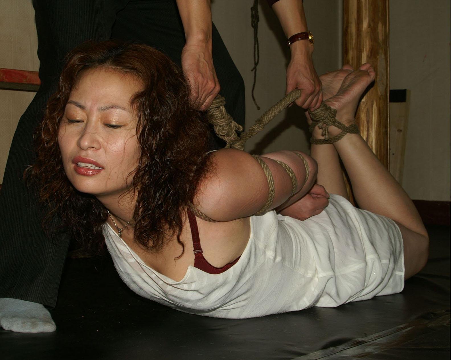 【SM緊縛画像】緊縛アートの世界 逆海老縛りされるM女 08
