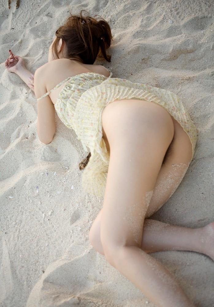 【美尻画像】叩きたくなる衝動がwww色白の綺麗なお尻いろいろ 14