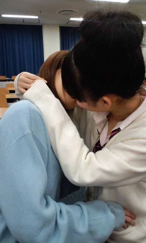 【レズビアン画像】甘酸っぱさに萌えるwww制服同士の百合プレイ 04
