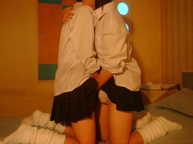 【レズビアン画像】甘酸っぱさに萌えるwww制服同士の百合プレイ 10
