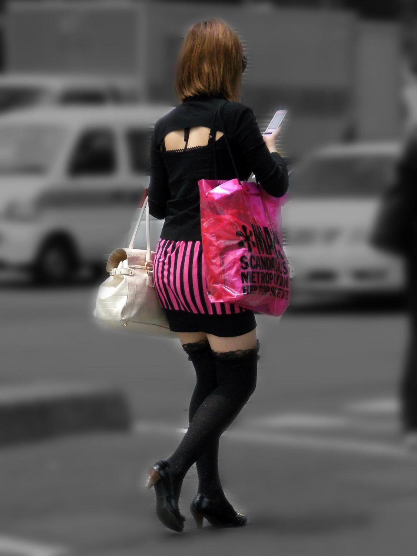 【街撮りフェチ画像】女の子のソコは不可侵www街で見かけた絶対領域 01
