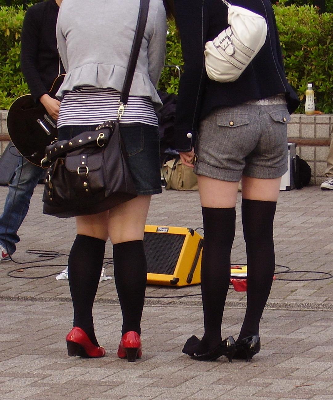 【街撮りフェチ画像】女の子のソコは不可侵www街で見かけた絶対領域 13