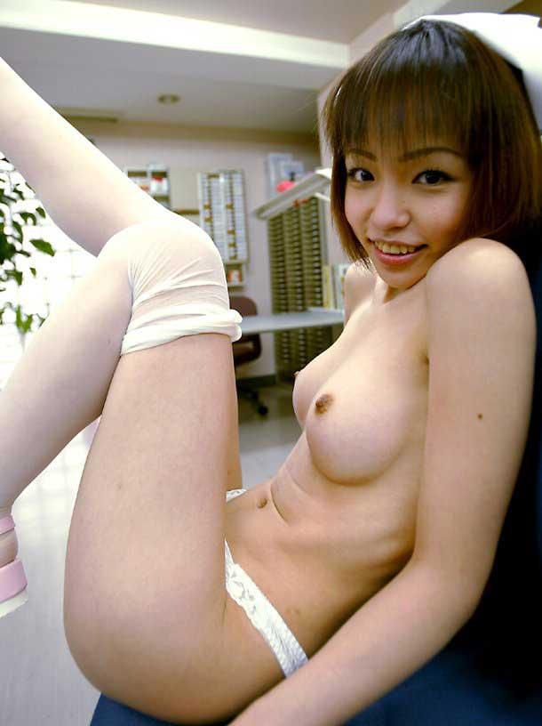 【コスプレ画像】判別手段はキャップのみwww裸のナースのエロ行為画像 09