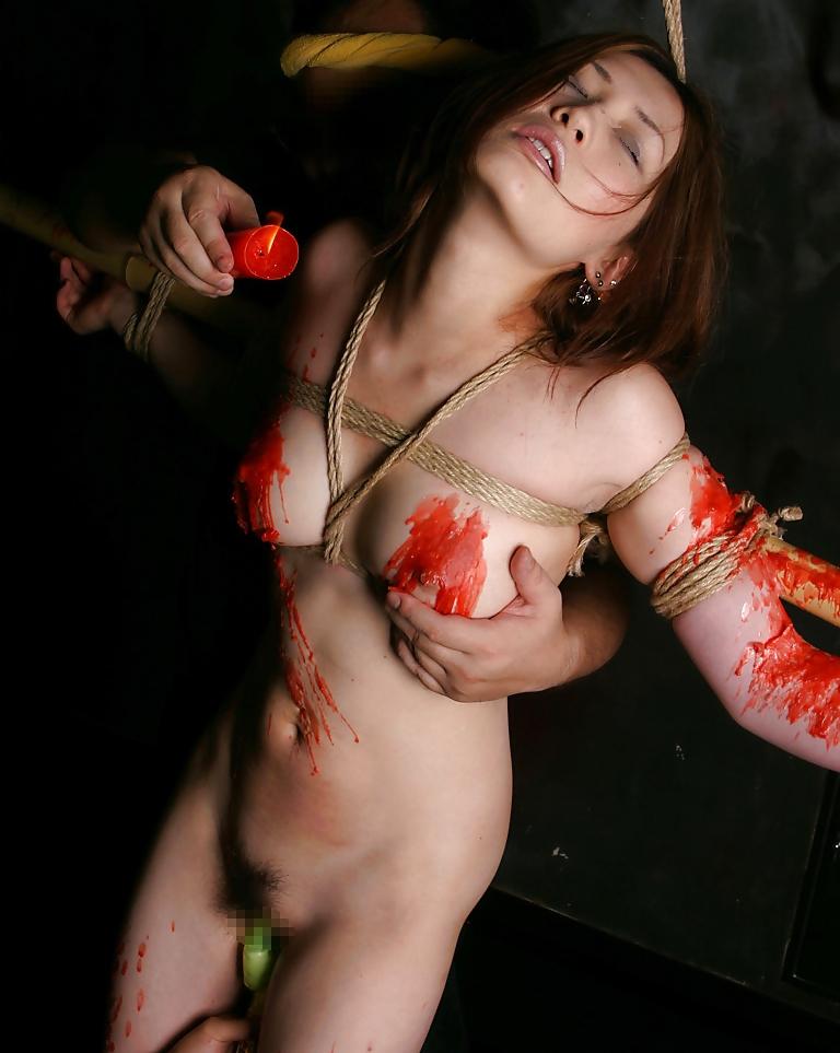 【SM画像】責めてもよし、放置でもよしwww磔にされたM女画像 12