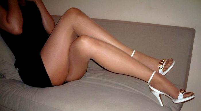【美脚画像】交差した美脚は太股から爪先までイヤらしすぎる件www 01